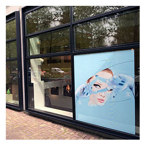 Illustration on window by Martine Brand